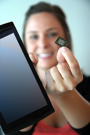 SanDisk 64GB iSSD in hand