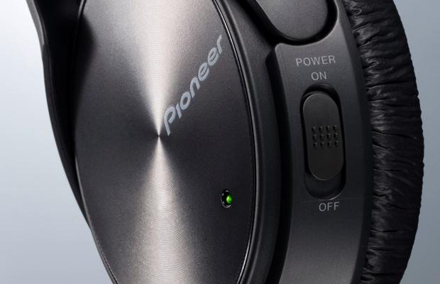Pioneer SE-NC21M Noise Canceling Headphones