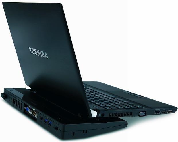 Toshiba Portege R700 Laptop in Port Replicator