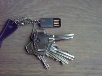 SuperTalent Pico C USB Drive with Keys